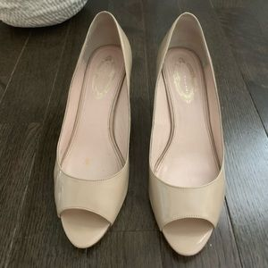 Elie tahari low heel pumps